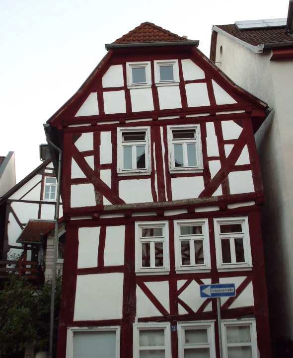 schiefeshaus